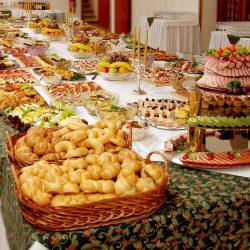 Švédske stoly pre oslavu v Skalici a okolí s dopravou zadarmo.