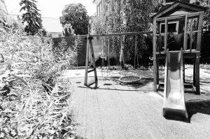 Vďaka detskému kútiku v uzavretej záhrade reštaurácie Srdiečko sa môžu deti do sýtosti vyšantiť pod Vašim dohľadom.