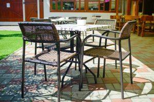 Posedenie s celou rodinou na letnej terase s detským ihriskom ponúka Reštaurácia Srdiečko v Skalici.