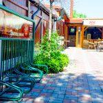 Priestory pre cyklistov a stojanom na bicykle nájdete v skalickej reštaurácii Srdiečko.