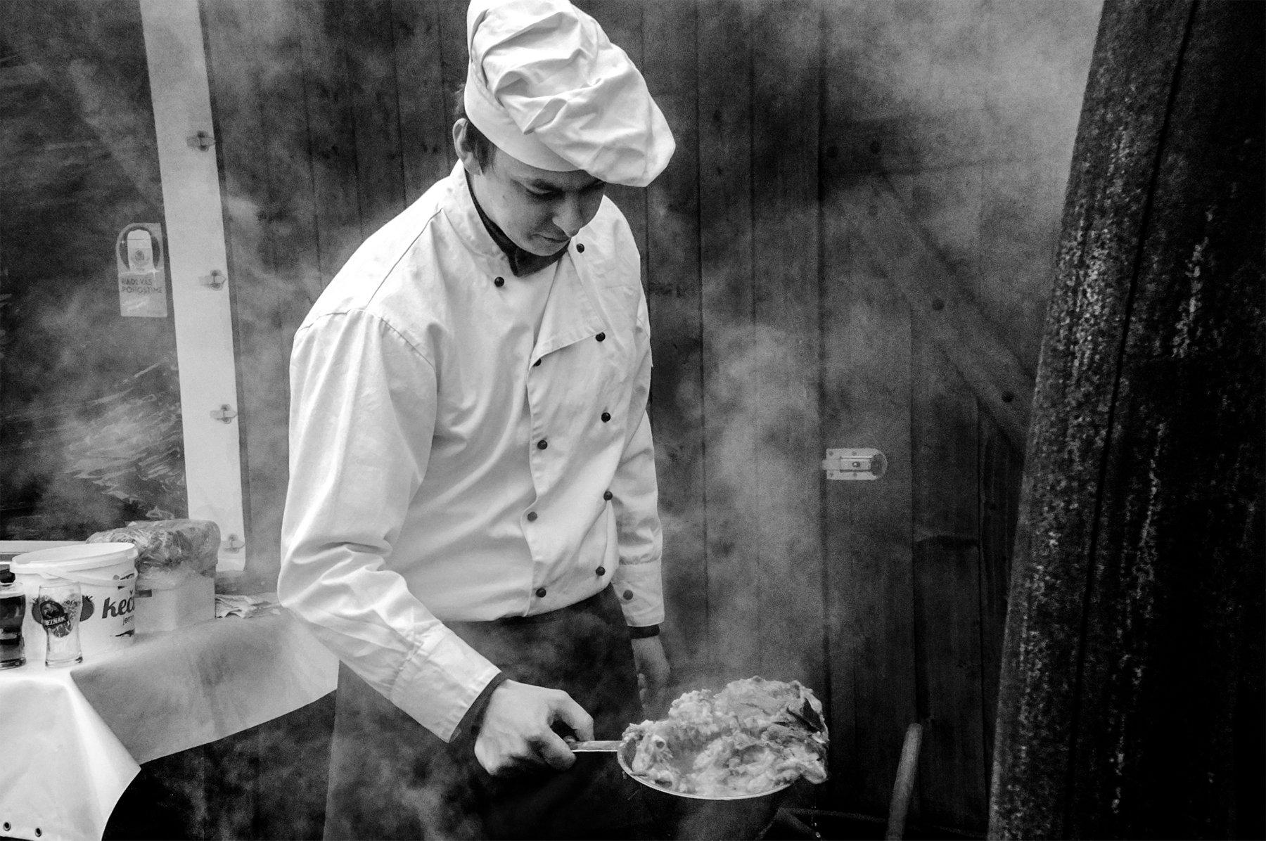 Sobota 17. februára 2018 domáce zabíjačkové hody reštaurácia Srdiečko v Skalici na Záhorí