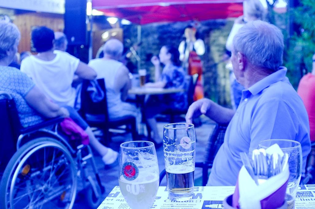 ef99990e9 ... Večer s country hudbou a grilované špeciality v reštaurácii Srdiečko v  Skalici ...