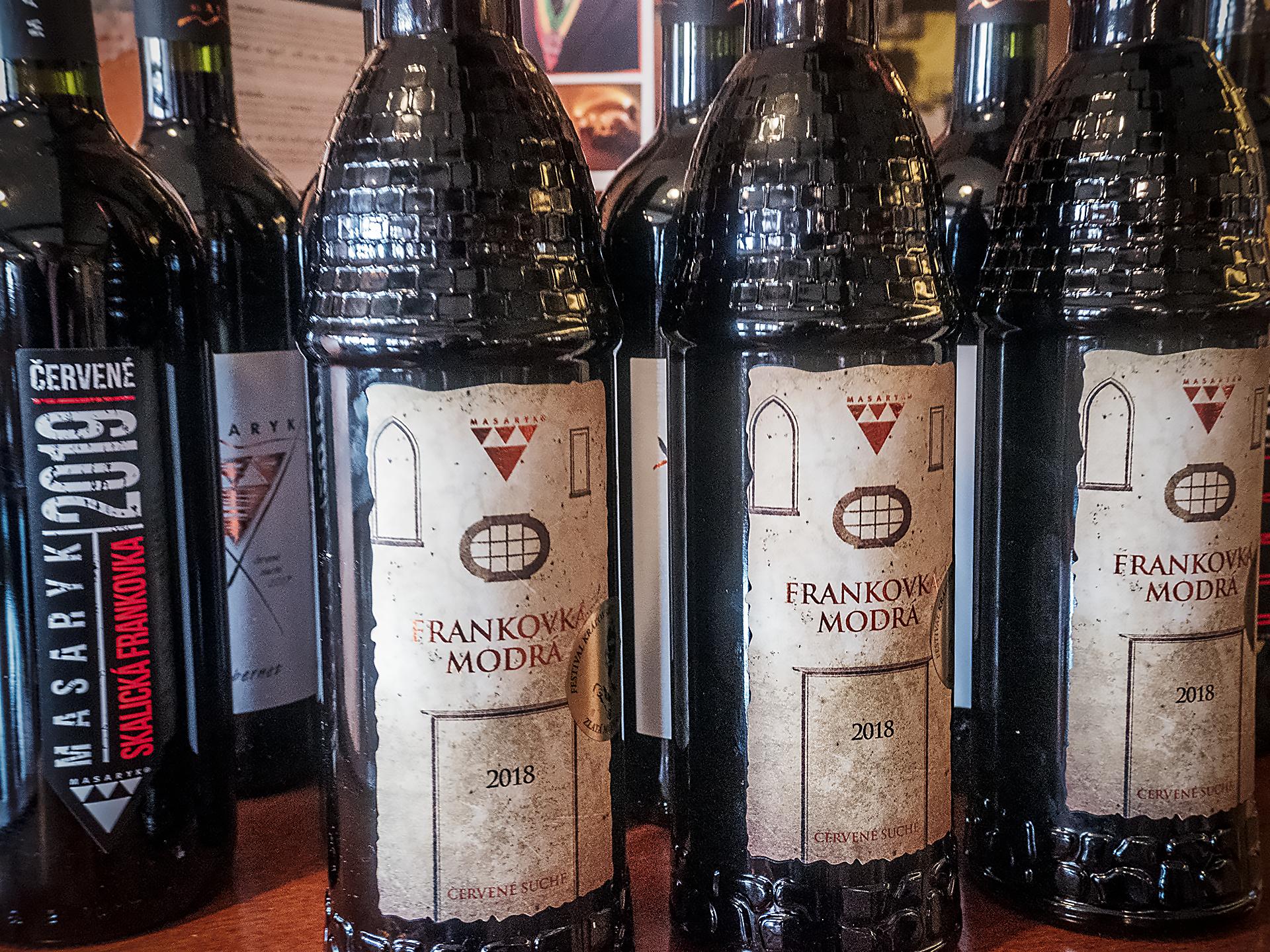 Vinotéka v Skalici ponúka Skalické víno a Skalický trdelník